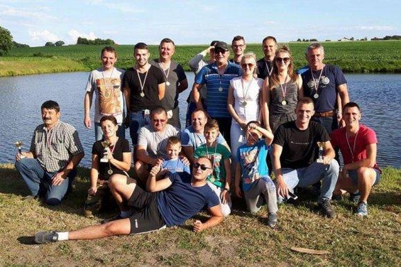 Malan�w: Pokona�a koleg�w w w�dkarskiej...