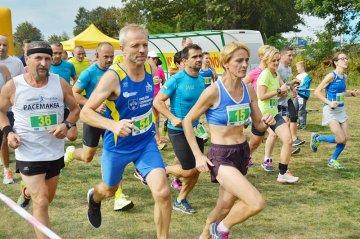 Malanowska Jesie� przyci�gn�a biegaczy w...