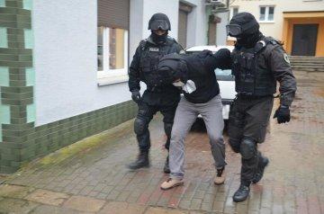 Policjanci zatrzymali trzech sprawc�w rozboju