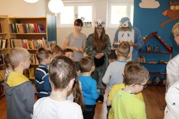Młodzież z I LO zachęcała dzieci do czytania
