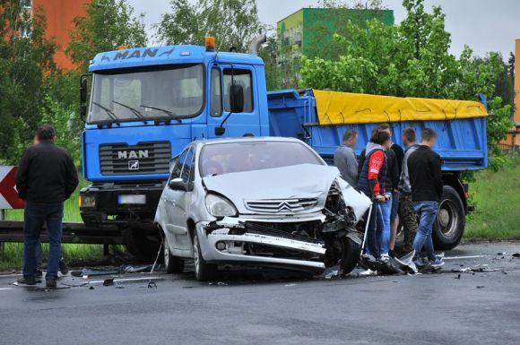 Turek: Kraksa 4 aut. Obwodnica nieprzejezdna