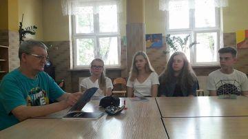 Uczniowie G2 na spotkaniu z poetą