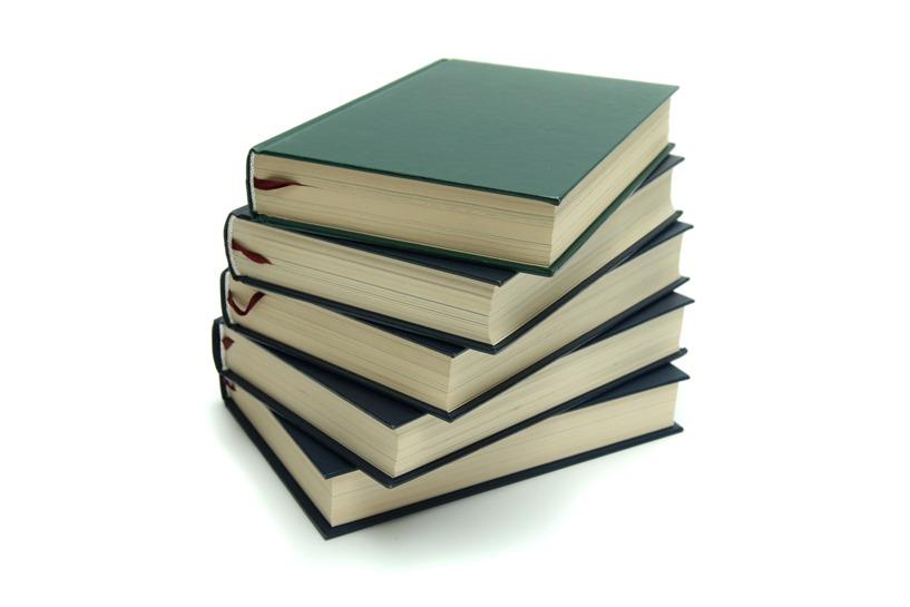 Szkolne biblioteki czynne w wakacje - foto: freeimages.com / Jean Scheijen