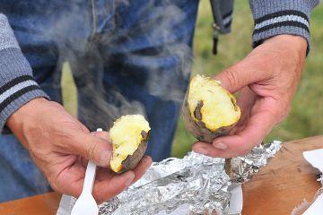 Pieczone ziemniaki królowały w Tarnowskim Młynie