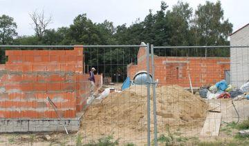 Na budowie lokali socjalnych praca wre