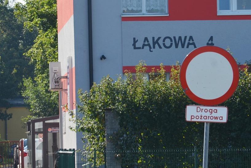Droga pożarowa przy Łąkowej to nie parking - KPP w Turku / www.turek.policja.gov.pl