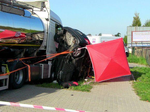 Wideo: Śmiertelny wypadek w Cisewie. Droga 470...