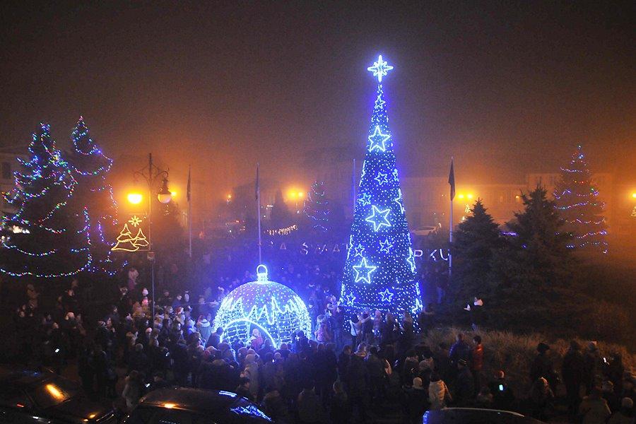 Radny Zańko przeciw bożonarodzeniowym ozdobom w rynku - foto: M. Derucki