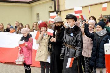 Piłsudski zwiedzał Turek z żoną i córkami
