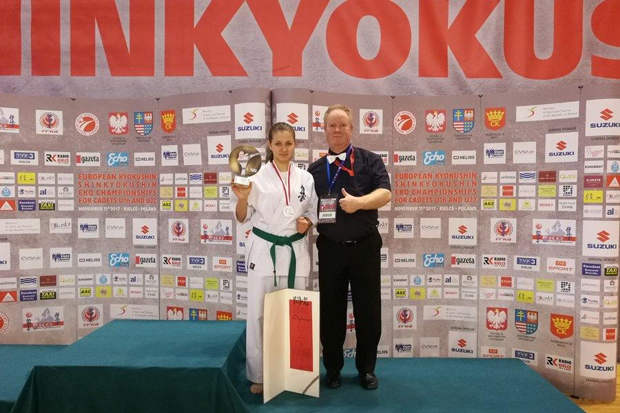 Wicemistrzyni Europy w Karate z turkowskiego ZST