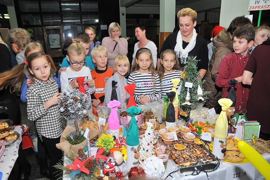 Turek: Świąteczny festyn w Szkole Podstawowej nr 5  - foto: M. Derucki