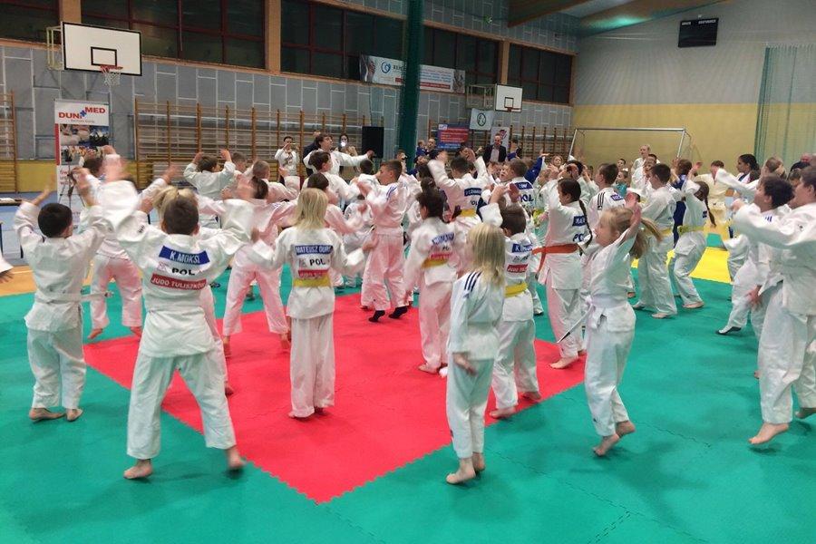 Tuliszkowscy judocy na mikołajkowym turnieju