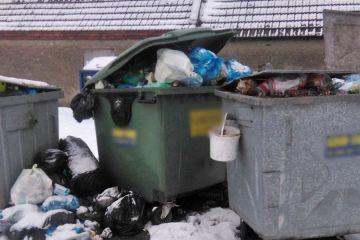 Śmieciowy krajobraz we Władysławowie