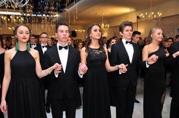 Wideo: Polonez 2018 maturzystów I Liceum...