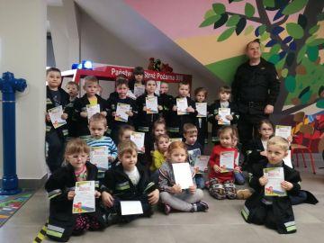 Wycieczka przedszkolaków do Straży Pożarnej i...