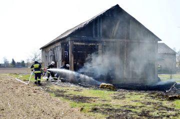 Wielopole: Płonęła trawa i stodoła