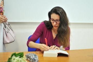 Turkowska Biblioteka gościła Ałbenę Grabowską