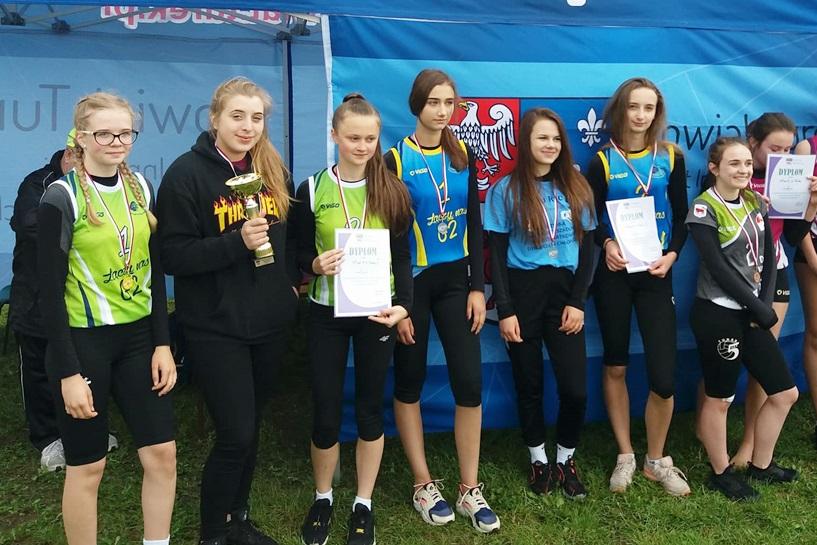 Dziewczęta z oddziałów gimnazjalnych SP1 Mistrzyniami i Wicemistrzyniami Powiatu w Piłce Siatkowej Plażowej
